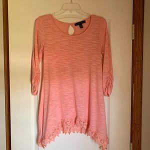 4/$20 SALE 🛍 French Laundry blushed Pink Top
